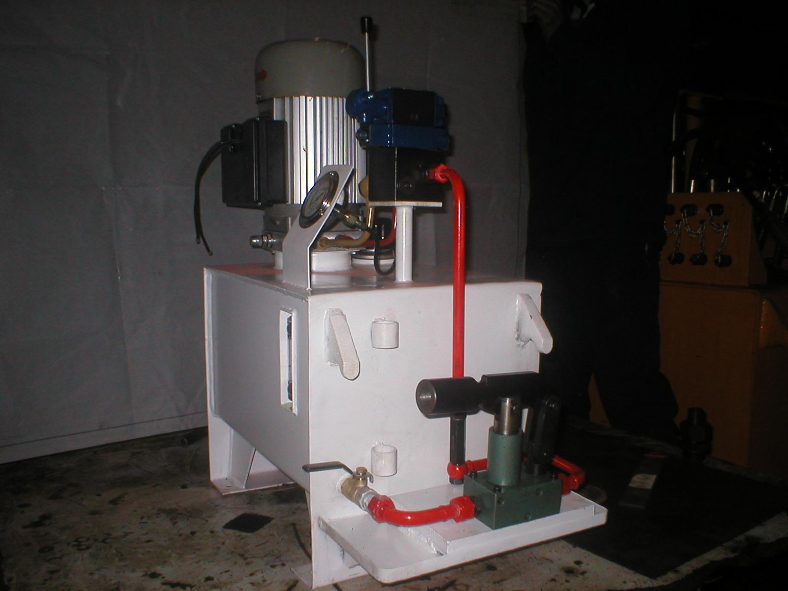 非标液压站,定做液压站,非标液压设备,液压升降系统,液压系统设计图片